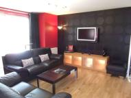 2 bed Flat to rent in Riverside Drive