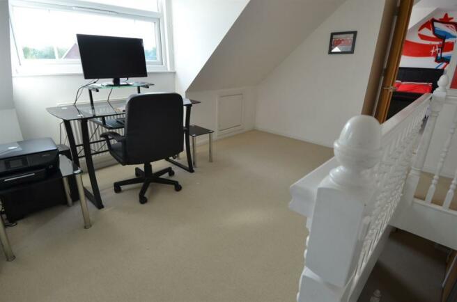 2nd Floor Landing/Study Area