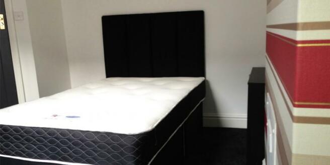 bedroom]