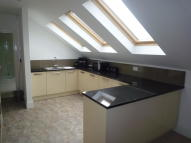 Apartment in Belle Vue Road, Agbrigg...
