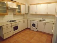 Flat to rent in Green Lane, Ilford, IG3