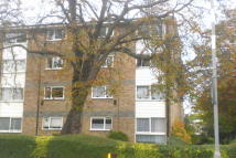 Flat to rent in Pellipar Close, London...