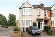 6 bed semi detached home to rent in New River Crescent...