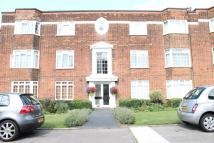 Apartment to rent in BALLARDS LANE, London, N3