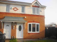 Town House to rent in Parkwood Road, Whiston...