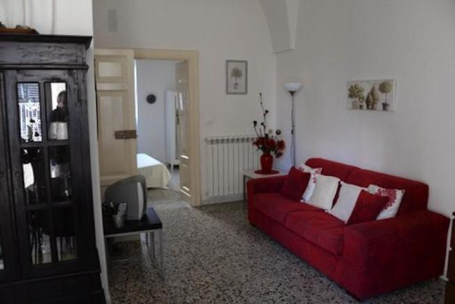 Reception in Apartment 1