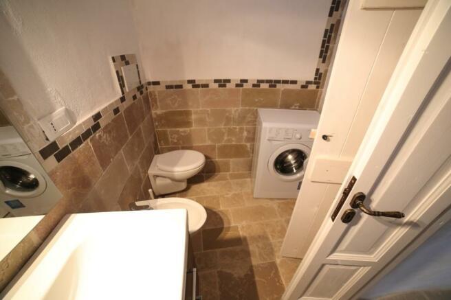 Bathroom in trullo