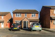 4 bedroom Detached house in Hardell Close, Egham...