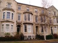 Clarence Square Flat to rent