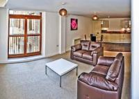 2 bedroom Flat to rent in Old Mill...