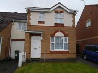 3 bed semi detached house to rent in Owen Close...