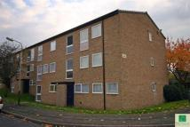 Flat to rent in Avonside Drive...