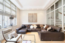 property in Yeomans Row, London, SW3