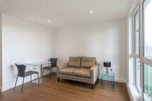 Studio apartment in Grayston House...