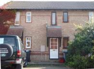 Terraced property to rent in Wilton Road, Kettering...