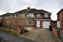 4 bed semi detached house in Queens Drive, Swindon