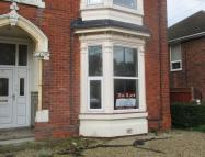 Flat to rent in Abbey Drive West, Grimsby