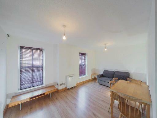 8A-lounge.jpg