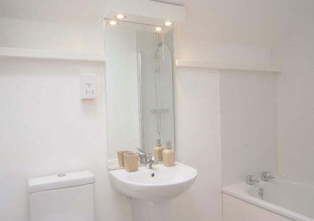 01145_28152-bathroom
