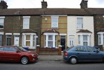 Terraced property to rent in Stanley Road, Grays...