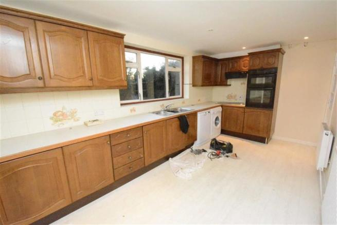 Fitted Kitchen/Breakfast Room