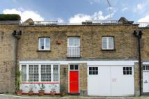 4 bed Mews in CONNAUGHT CLOSE, W2