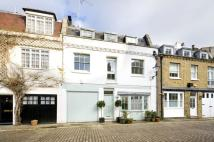 Mews to rent in LANCASTER MEWS, W2