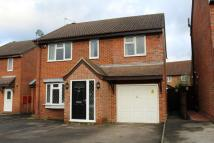 4 bed Detached house to rent in Hardell Close, Egham...