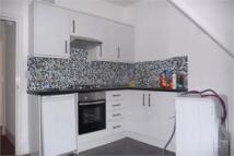 2 bed Flat to rent in Park Avenue Willesden...