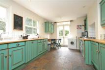 4 bedroom semi detached house in Lynette Avenue, Clapham