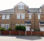 4 bed home to rent in China Mews,