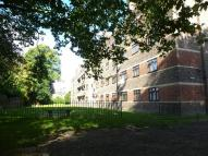 Flat to rent in Poynders Gardens,