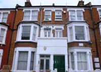 Flat in Prideaux Road,