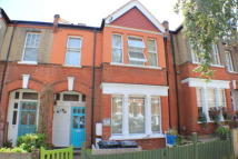 3 bed Apartment to rent in Casewick Road