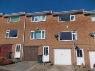 3 bedroom Town House to rent in Thompson Hill, High Green