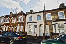 2 bed Flat in Ferndale Road, London...