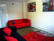 6 bedroom End of Terrace house to rent in Denison Court...