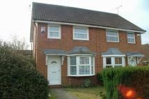 2 bed semi detached property to rent in Ivory Close, Faversham