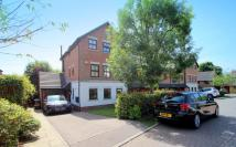 4 bed End of Terrace property to rent in Reigate, RH2