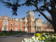 2 bed Apartment in Royal Earlswood Park...