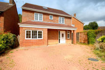 4 bed Detached home to rent in Redhill, RH1