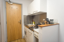 property to rent in High Street, Southampton, Hampshire, SO14