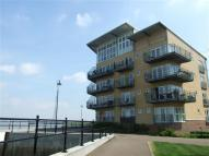 2 bed Apartment to rent in Lightermans way...