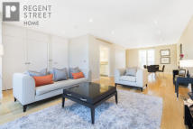 Flat to rent in Princes Street, London...