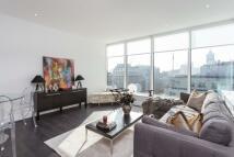 Apartment in Marathon House...