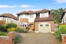 6 bed Detached property for sale in Thames Ditton