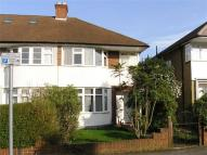 3 bedroom semi detached home in Cheyne Hill, Surbiton...