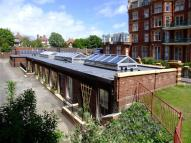 Metropole Road East Terraced house to rent