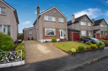 4 bedroom Detached Villa in 20 Broadleys Avenue...