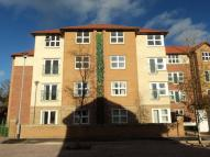 Flat to rent in Chaldron Court Westpark